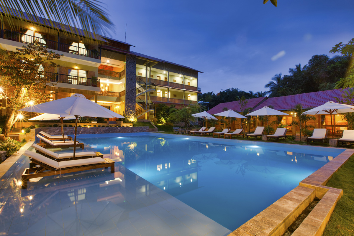 Bungalow Poolside and Garden Viewstyle=